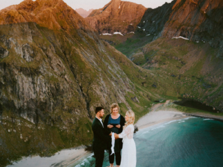 Lofoten elopement wedding photographer Ryten Kvalvika Beach