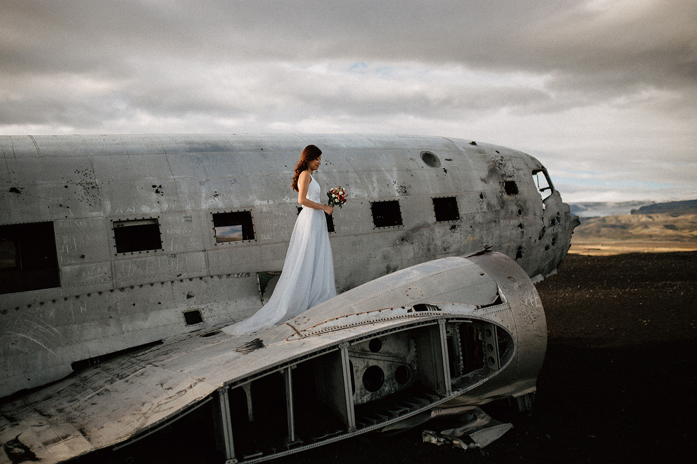 Iceland wrecked plane Sólheimasandur wedding elopement