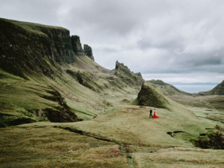 Isle of Skye Scotland elopement couple wedding photographer Quiraing