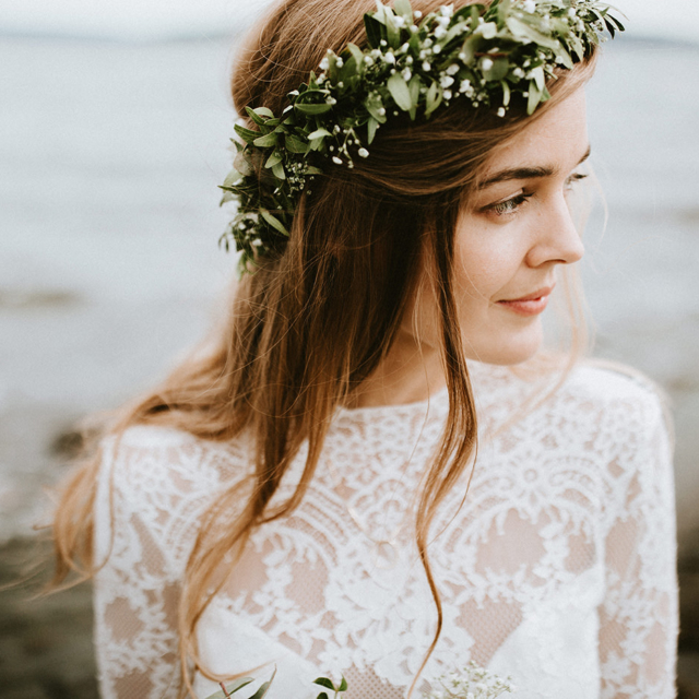 Greenery flower crown bohemian blomsterkrans Norway wedding elopement couple photographer