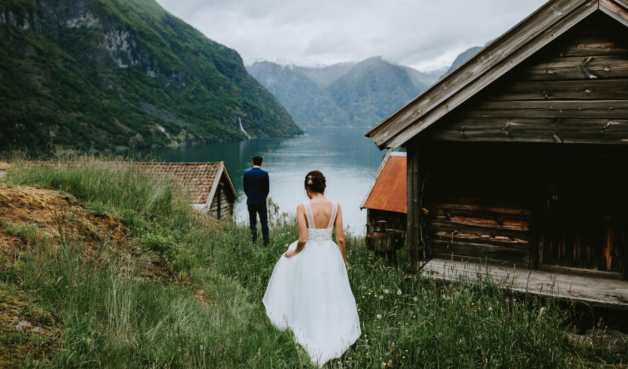 Otternes bydgetun ottogarden aurland flåm Norway elopement wedding photographer